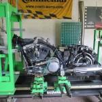 Upevnění a proměření rámu Harley Davidson